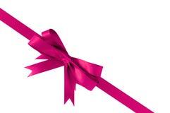 Ρόδινη διαγώνιος γωνιών κορδελλών δώρων τόξων στοκ φωτογραφία με δικαίωμα ελεύθερης χρήσης