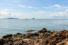 Ρόδινη πέτρα Arkose, ψαμμίτης Arkosic κοντά στην παραλία, ρόδινο sto Στοκ φωτογραφία με δικαίωμα ελεύθερης χρήσης