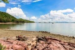 Ρόδινη πέτρα Arkose, ψαμμίτης Arkosic κοντά στην παραλία, ρόδινο sto Στοκ Εικόνες