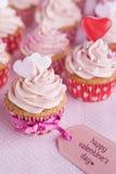 Ρόδινος βαλεντίνος cupcakes Στοκ φωτογραφία με δικαίωμα ελεύθερης χρήσης