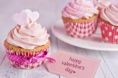Ρόδινος βαλεντίνος cupcakes Στοκ εικόνα με δικαίωμα ελεύθερης χρήσης