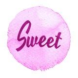 Ρόδινος, πορφυρός κύκλος watercolor με το γλυκό λέξης που απομονώνεται σε ένα άσπρο υπόβαθρο Στοκ φωτογραφίες με δικαίωμα ελεύθερης χρήσης