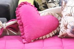 Ρόδινο μαξιλάρι καρδιών Στοκ φωτογραφία με δικαίωμα ελεύθερης χρήσης