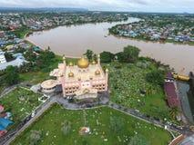 Ρόδινο μουσουλμανικό τέμενος Kuching σε Sarawak, Μαλαισία Στοκ Εικόνες