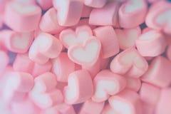 Ρόδινο marshmallow μορφής καρδιών για το θέμα και το βαλεντίνο αγάπης backgr Στοκ φωτογραφία με δικαίωμα ελεύθερης χρήσης
