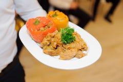 Ρόλοι λάχανων στο πιάτο Στοκ Εικόνες