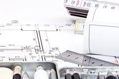 Ρόλοι του αρχιτεκτονικού σχεδιαγράμματος με τα εργαλεία σχεδίων Στοκ Εικόνα