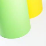 Ρόλοι του κίτρινου και πράσινου χαρτονιού Στοκ εικόνα με δικαίωμα ελεύθερης χρήσης