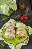 Ρόλοι του ψωμιού με τα λαχανικά, το τυρί και το λουκάνικο Στοκ φωτογραφίες με δικαίωμα ελεύθερης χρήσης