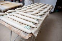 Ρόλοι ψωμιού ζύμης πριν από τη ζύμωση Στοκ εικόνες με δικαίωμα ελεύθερης χρήσης