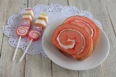Ρόλος μαρμελάδας φραουλών και γλυκιά ζελατίνα Στοκ εικόνες με δικαίωμα ελεύθερης χρήσης