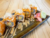 Ρόλος σουσιών - σούσια Καλιφόρνιας Maki Ιαπωνική κουζίνα στοκ εικόνες με δικαίωμα ελεύθερης χρήσης