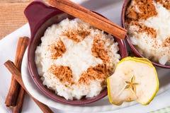 Ρύζι γάλακτος με την κανέλα Στοκ Φωτογραφίες