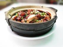 ρύζι δοχείων αργίλου κοτόπουλου Στοκ φωτογραφία με δικαίωμα ελεύθερης χρήσης