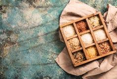 Ρύζι εννέα ποικιλίες στο κιβώτιο εκτυπωτών, jasmine, άγρια περιοχές, λευκό, μαργαριτάρι, που απαγορεύουν, Μαδαγασκάρη, νεφρίτης,  Στοκ Εικόνες