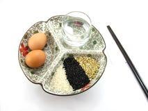 Ρύζι και αυγό για το πρόγευμα Στοκ Εικόνα