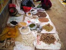 Ρύζι και φασόλια σε μια αγορά στη Βιρμανία στοκ φωτογραφία με δικαίωμα ελεύθερης χρήσης