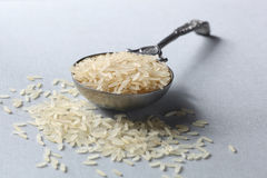 Ρύζι σε ένα κουτάλι Στοκ φωτογραφίες με δικαίωμα ελεύθερης χρήσης