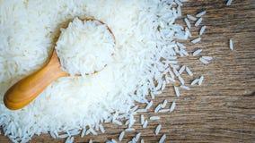 Ρύζι στο ξύλινο στροφίο Στοκ Φωτογραφία