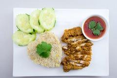 Ρύζι τηγανίζω-κοτόπουλου Στοκ Εικόνες