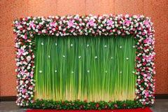 Ρύθμιση λουλουδιών φόντου Στοκ εικόνα με δικαίωμα ελεύθερης χρήσης