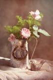 Ρύθμιση λουλουδιών άνοιξη Στοκ εικόνα με δικαίωμα ελεύθερης χρήσης