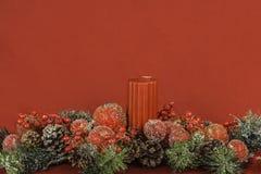 Ρύθμιση λουλουδιών και κεριών Themed Χριστουγέννων με το δωμάτιο για Tex Στοκ εικόνα με δικαίωμα ελεύθερης χρήσης