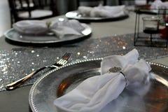 Ρύθμιση πιάτων γαμήλιων πινάκων στοκ φωτογραφίες με δικαίωμα ελεύθερης χρήσης