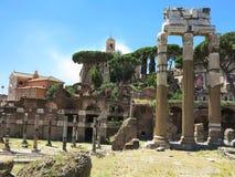 19 06 2017, Ρώμη, Ιταλία: Όμορφη άποψη των καταστροφών διάσημου Ρωμαίου Στοκ φωτογραφία με δικαίωμα ελεύθερης χρήσης