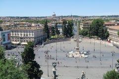 Ρώμη, Ιταλία στις 18 Ιουνίου 2016 Piazza del Popolo άποψη πηγών και οβελίσκων από Pincio Στοκ Εικόνες