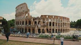 Ρώμη, Ιταλία - τον Ιούνιο του 2017: Steadicam που πυροβολείται του διάσημου Colosseum στη Ρώμη απόθεμα βίντεο