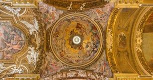 Ρώμη - υπόθεση της νωπογραφίας της Virgin Mary στο θόλο από το Giovanni Domenico Cerrini στο della Vittoria Di Σάντα Μαρία Chiesa Στοκ Φωτογραφίες