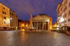 Ρώμη Pantheon στο φωτισμό νύχτας στοκ φωτογραφία