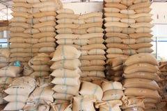 Σάκοι κάνναβης που περιέχουν το ρύζι Στοκ Φωτογραφίες