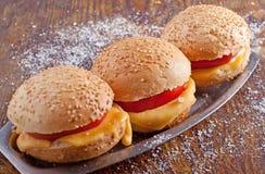 Σάντουιτς με την ντομάτα και το τυρί Στοκ εικόνα με δικαίωμα ελεύθερης χρήσης