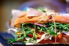 Σάντουιτς με το ζαμπόν, ντομάτα Στοκ Φωτογραφίες