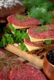 Σάντουιτς με το σαλάμι, το τυρί και το arugula Στοκ Εικόνα