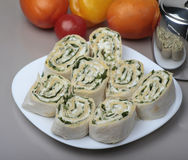 Σάντουιτς ρόλων περικαλυμμάτων Piita με το τυρί και τα λαχανικά Στοκ φωτογραφίες με δικαίωμα ελεύθερης χρήσης