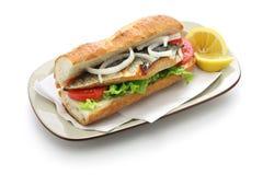 Σάντουιτς ψαριών σκουμπριών, τουρκικά τρόφιμα Στοκ φωτογραφία με δικαίωμα ελεύθερης χρήσης