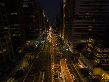 Σάο Πάολο, Βραζιλία, τον Αύγουστο του 2017 Εναέρια άποψη στη νύχτα στη λεωφόρο Paulista, στην πόλη του Σάο Πάολο Στοκ φωτογραφίες με δικαίωμα ελεύθερης χρήσης