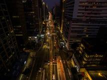 Σάο Πάολο, Βραζιλία, τον Αύγουστο του 2017 Εναέρια άποψη στη νύχτα στη λεωφόρο Paulista, στην πόλη του Σάο Πάολο Στοκ φωτογραφία με δικαίωμα ελεύθερης χρήσης