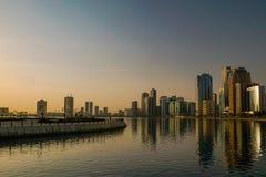 Σάρτζα Το καλοκαίρι του 2016 Η πολιτιστική πρωτεύουσα των Ε.Α.Ε., μια σύγχρονη αστική μητρόπολη στην αυγή της ημέρας στοκ εικόνες