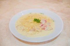 Σάλτσα κρέμας carbonara μακαρονιών Στοκ Φωτογραφία