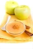 Σάλτσα μήλων με την κανέλα Στοκ εικόνα με δικαίωμα ελεύθερης χρήσης