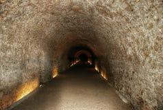 Σήραγγα στο αρχαίο φρούριο μια από τις θέες Tarragona Στοκ Φωτογραφία