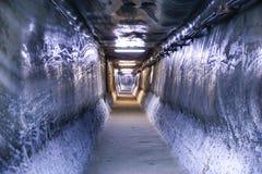 Σήραγγα στο μουσείο Turda αλυκών αλατισμένου ορυχείου στοκ φωτογραφία με δικαίωμα ελεύθερης χρήσης