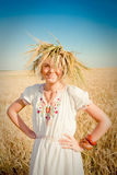 σίτος κοριτσιών πεδίων Στοκ φωτογραφία με δικαίωμα ελεύθερης χρήσης