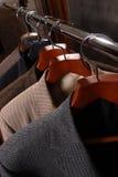 σακάκια κρεμαστρών παλτών Στοκ Εικόνες