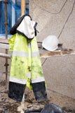 Σακάκι και καπέλο ασφάλειας Στοκ Φωτογραφίες