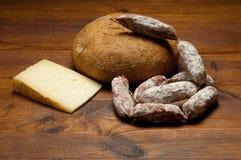 Σαλάμι και ψωμί τυριών Στοκ Εικόνες